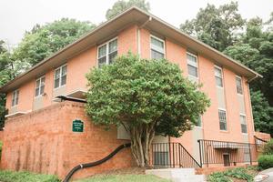 Arlington Court Apartments