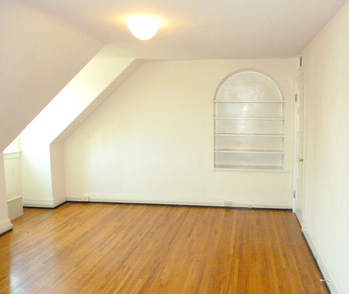 University Court Apartments: Charlottesville Apartment Rental